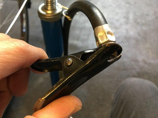 自転車用空気入れポンプ口金