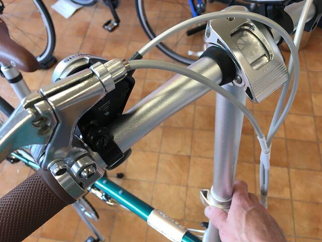 ダホン ボードウォークD7折り畳みハンドルポスト上げる