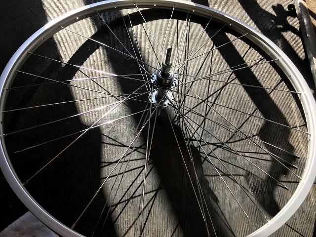 自転車ホイール手組片側仮組み