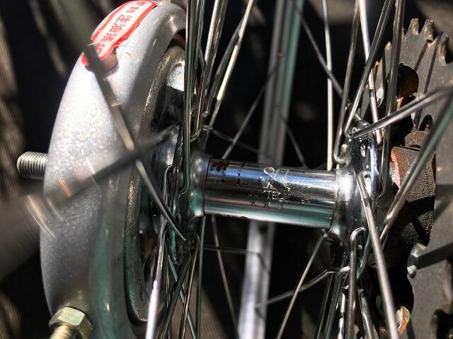 自転車ホイール手組ハブのロゴとスポーク穴の位置を合わせるこだわり