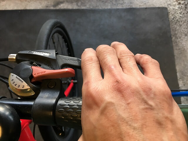 Vブレーキシュー交換方法 ブレーキレバー握りワイヤー伸び調整