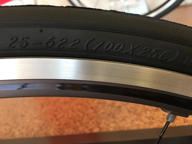自転車タイヤサイズ見方 700×25C