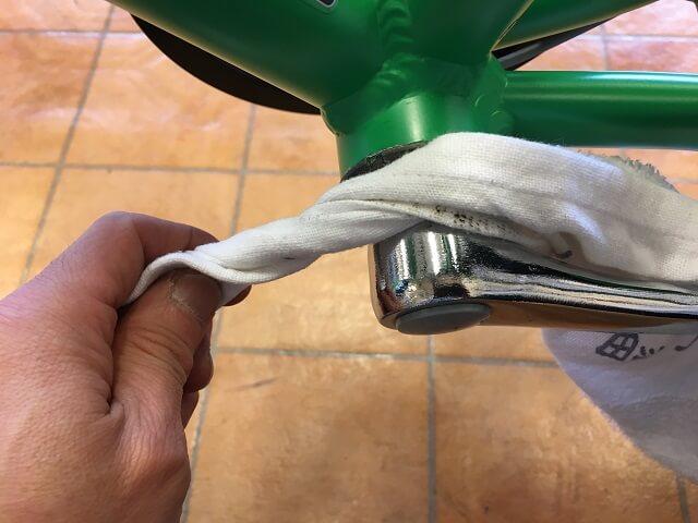 子供用自転車掃除のコツ クランク軸乾拭きアッソンJ24