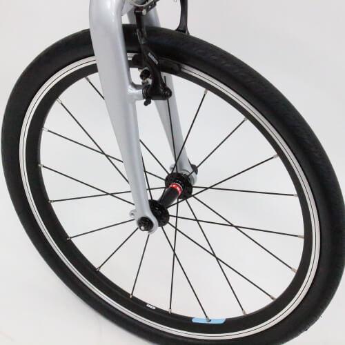 コーダーブルーム 2019年レイル20 タイヤサイズは406 20×1.25サイズ