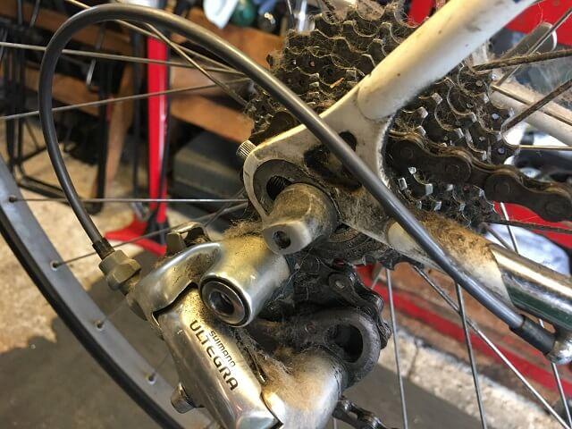 20年前のロードバイク フルオーバーホール前のリアディレイラー汚れ