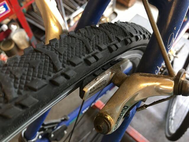 サイクルクリーニング リアブレーキ汚れビフォー ジオスナチュール