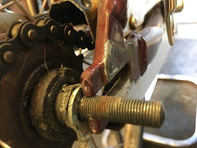 後輪タイヤ交換 後輪車軸取付