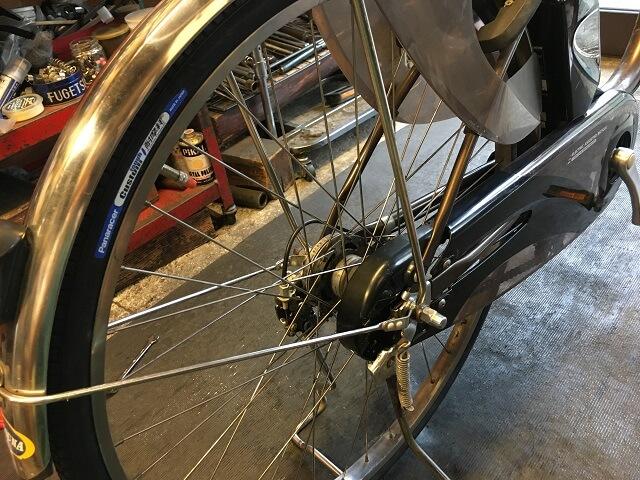 電動アシスト自転車内装3段強化ハブ仕様の後輪タイヤ交換終了