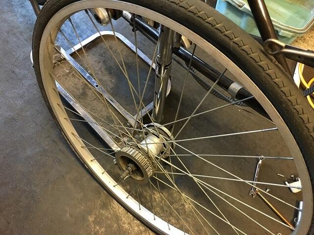 ベルト自転車の後輪取り外し完了