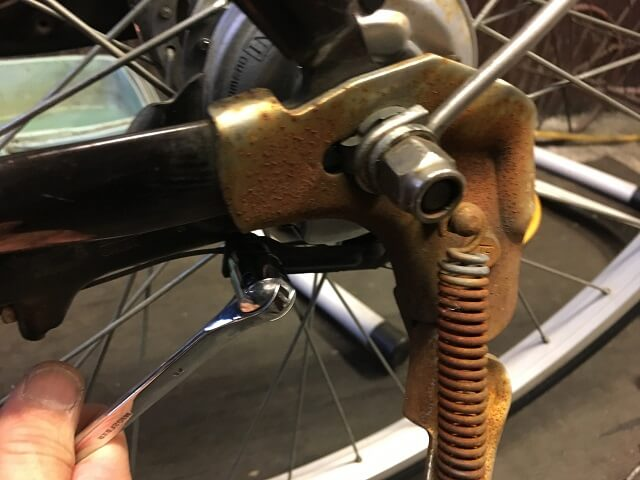 ベルト自転車後輪ブレーキケーブル調整