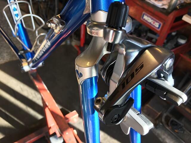 パナソニックロードバイクR7000ブレーキアーチ取付