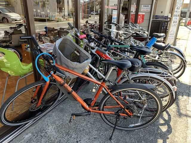 自転車修理依頼待ちの自転車 コスナサイクル