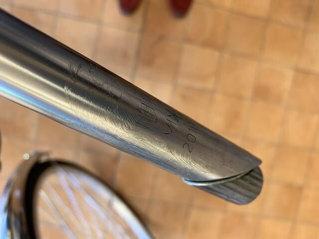 一般自転車ハンドル高さ調整 ハンドルステムにグリスを塗布