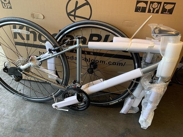 自転車箱から取り出す七分組立状態