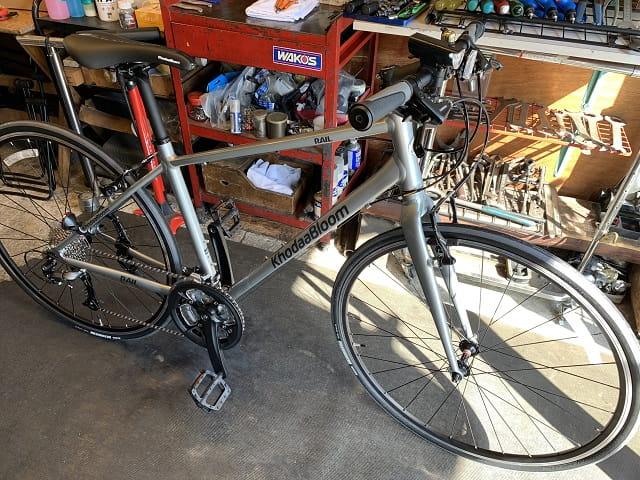 自転車組立作業クロスバイク組立完了