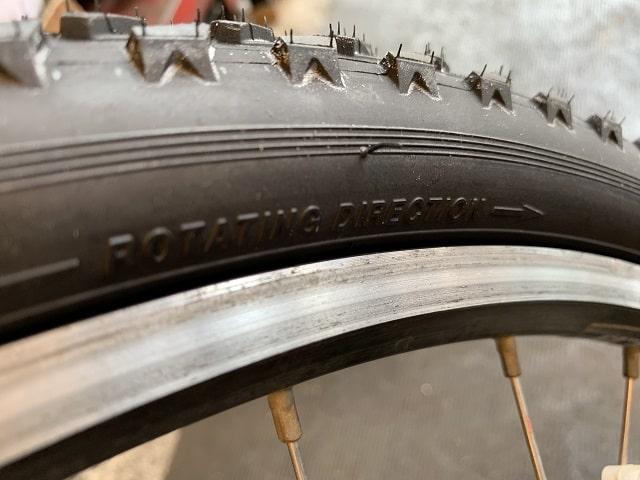 マウンテンバイクタイヤ交換タイヤドライブ方向を確認