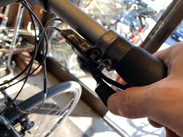 クロスバイク変速レバー操作で変速位置を確認する