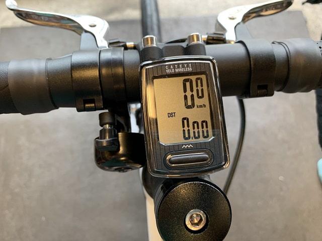 サイクルコンピューターを自転車にセットする