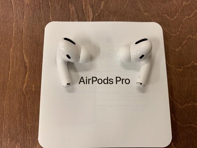 AirPods Proワイヤレスイヤフォン本体正面