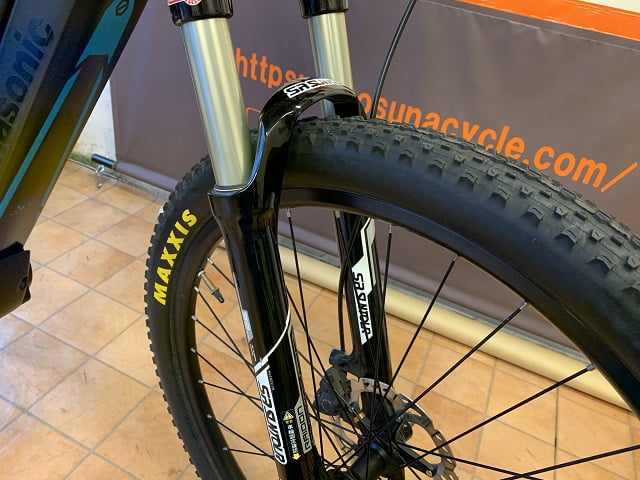 パナソニックEバイクXM1フロントサスペンション