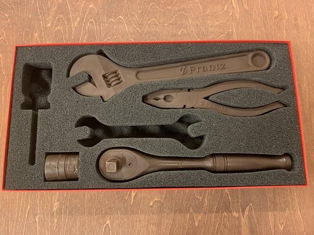 神戸フランツの工具チョコレート「カーマニア(R)セットV6」残り4つ