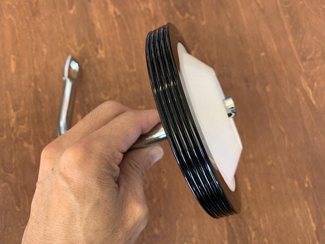 自転車補助輪取付方法 シャフトに車輪を通す
