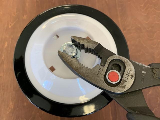 自転車補助輪取付割ピン左右をしっかり曲げる