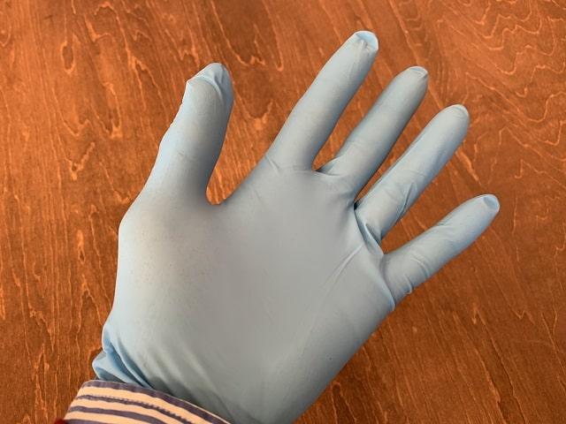 ニトリストタフ手袋装着
