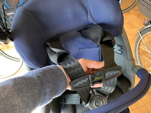 クルームリヤシートのシートベルトの長さ調整目安