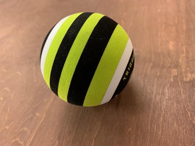 トリガーポイントMB1マッサージボールのストライプゾーン