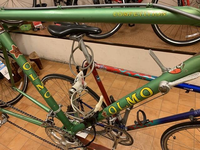 OLMOのスチールフレームロードバイク