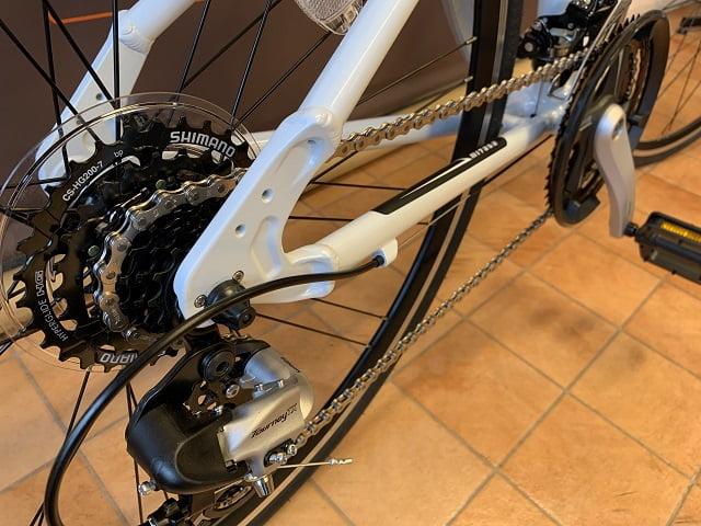 ミヤタのクロスバイク「カリフォルニアスカイC」変速