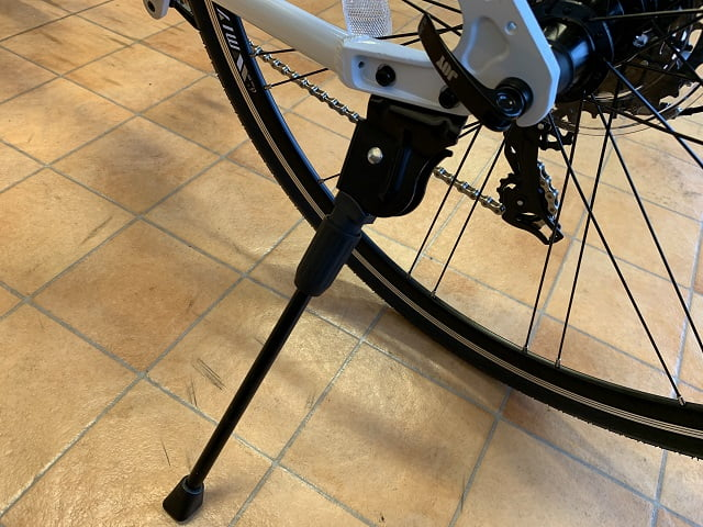 ミヤタのクロスバイク「カリフォルニアスカイC」サイドスタンド付き