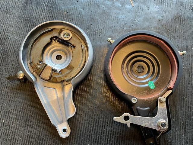 後ドラムブレーキとサーボブレーキ内側機構の違い