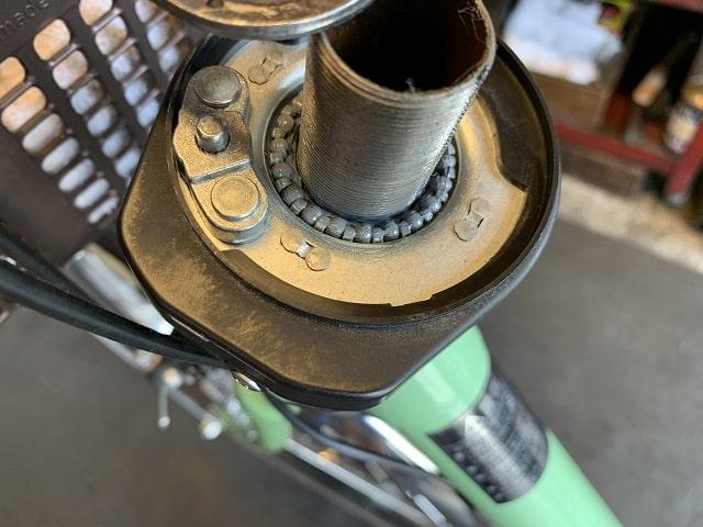 電動アシスト自転車スタぴたベアリング受けを全て取り外した状態