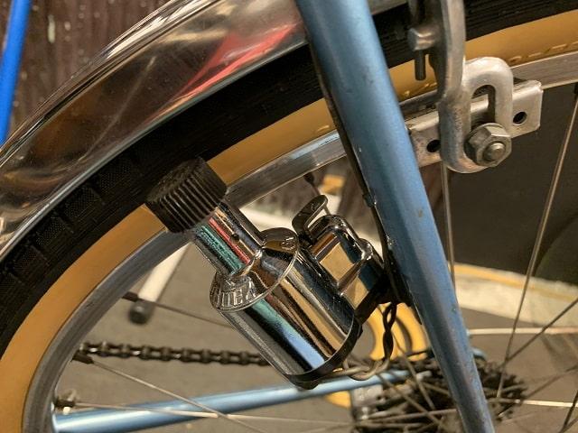ヴィンテージプジョーランドナー自転車のリヤハブダイナモの光沢が蘇る