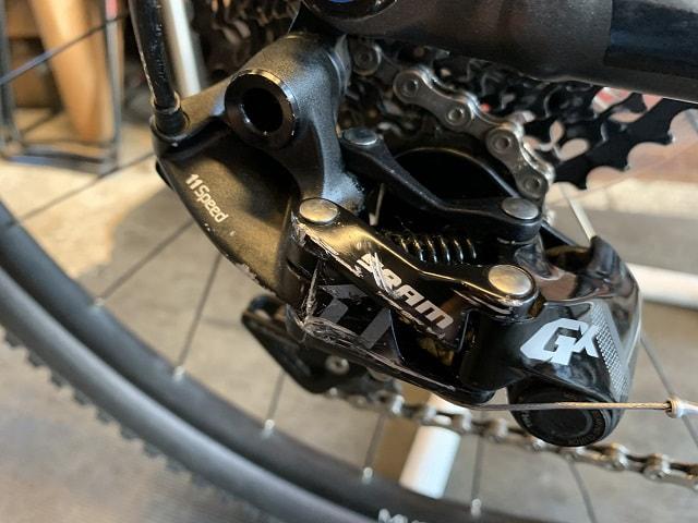 サイクルクリーニング後のきれいになったマウンテンバイクの変速機