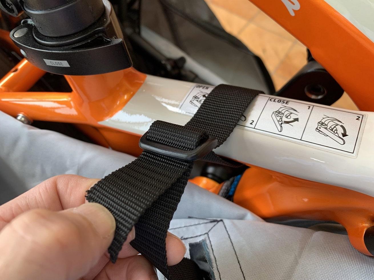 ESRパーサーのフレーム部分にショルダーベルトを取り付ける
