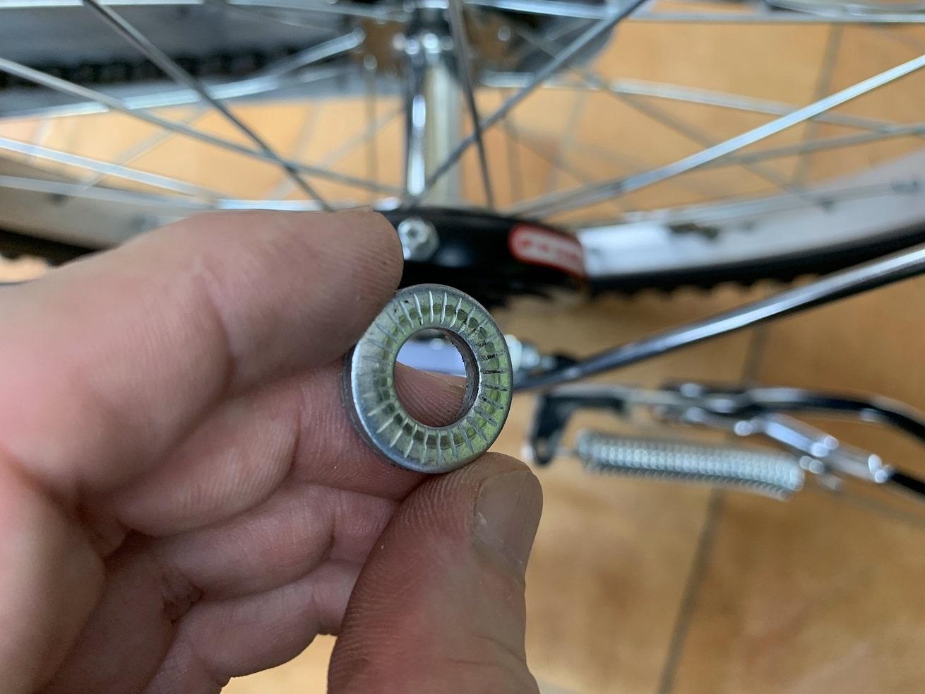 子供自転車のワッシャーの向きに注意する