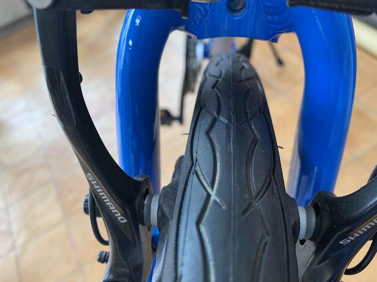 クロスバイクフェンダー取付時のチェック項目「フロントフォークセンター穴」