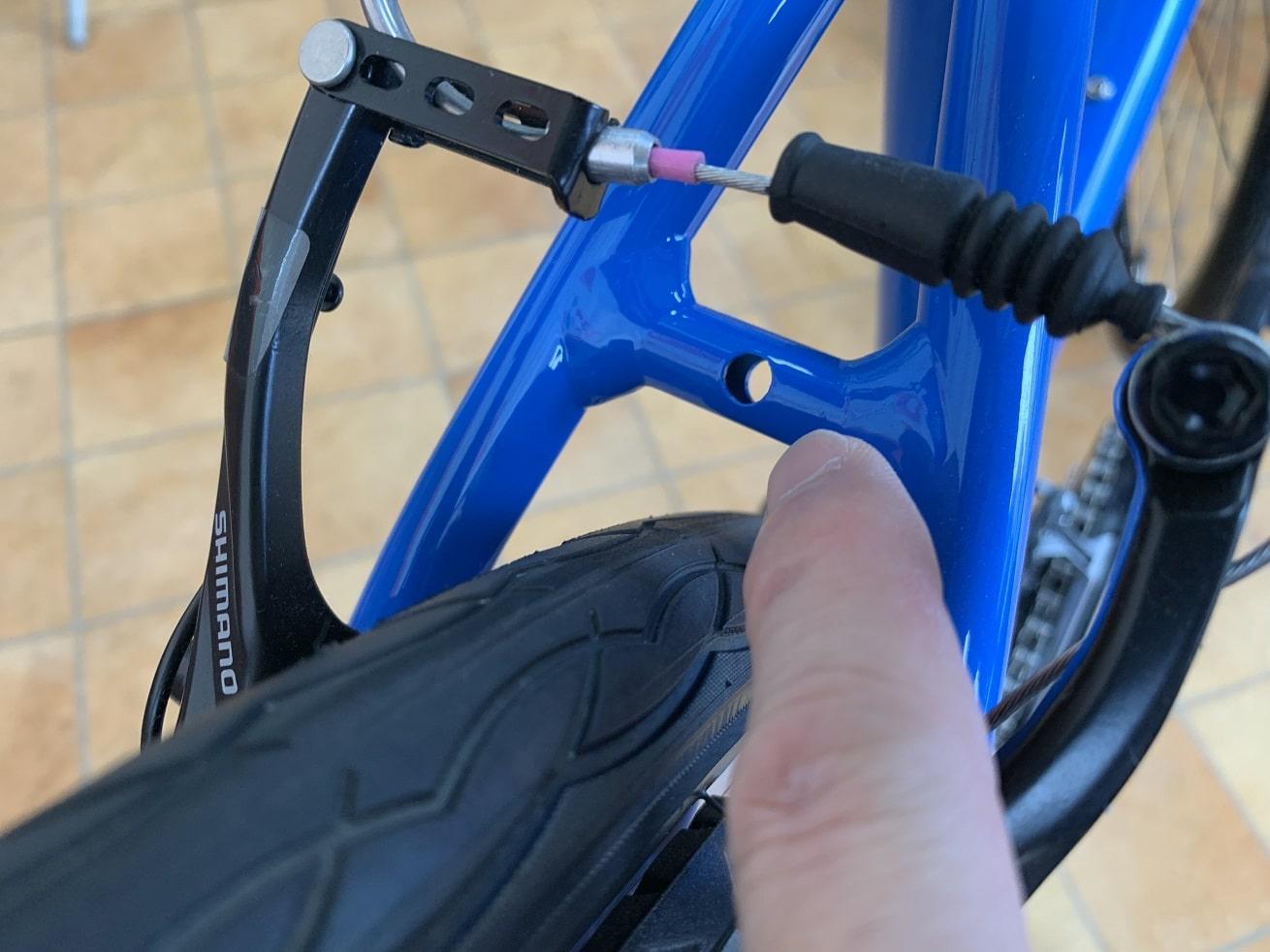 クロスバイクフェンダー取付時のチェック項目「シートステーブリッジ穴」