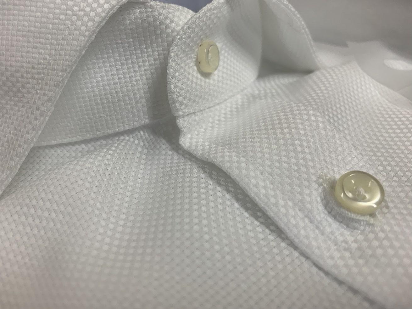 プリンシプルオーダーシャツのボタンデザイン