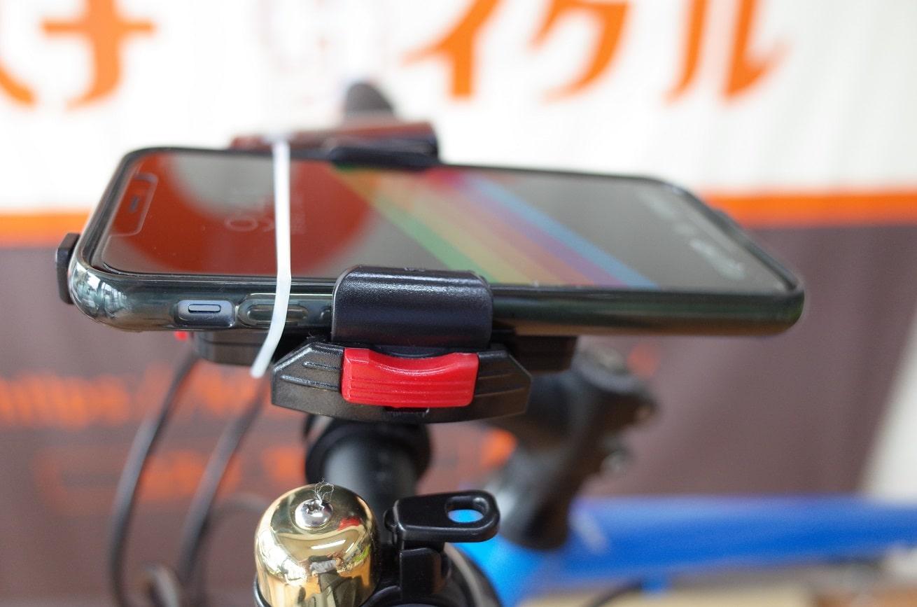 自転車スマホホルダー「ミノウラiH-520-STD」取り付けを横から見る