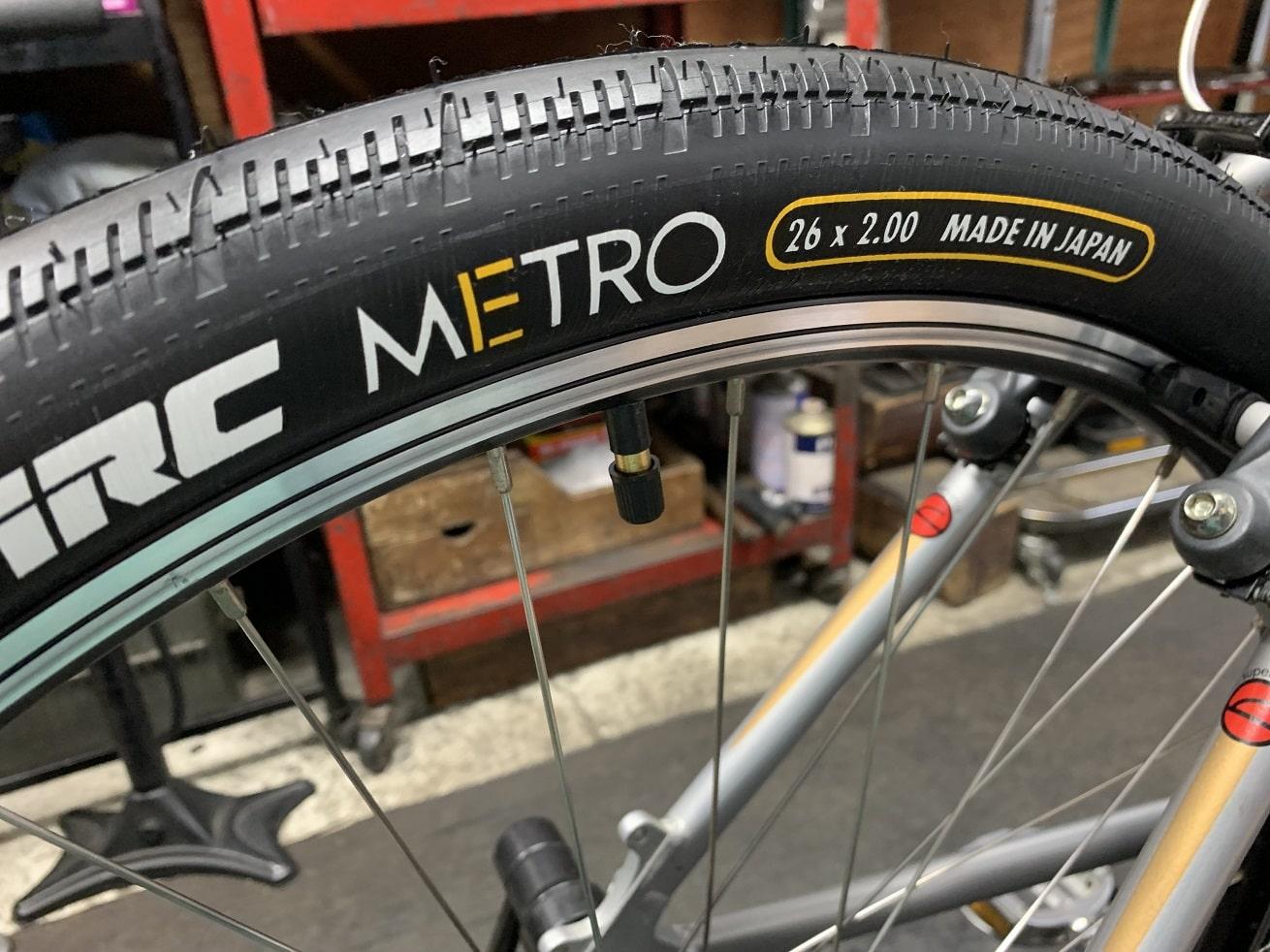 サイクルクリーニング後のコメンサルマウンテンバイクのメトロタイヤ交換